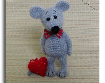 Little Mouse with Heart, OOAK, Valentine Day's gift, Stuffed Animal, Soft toy decor, Amigurumi, Made to order