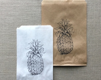 20 White or Kraft Pineapple Favor Bags, Pineapple paper bags, Fruit paper bags, Party bags, tropical party bags, white pineapple bags