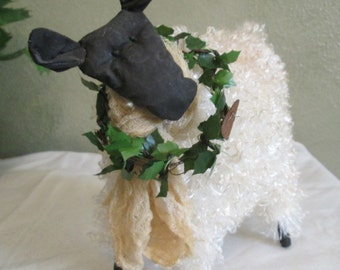 Primitive Sheep , Primitive Sheep with Wreath , Handmade Country Decor , Decorative Sheep