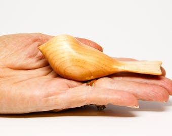Hand-carved bird - Hard Maple  (Style: Resting)