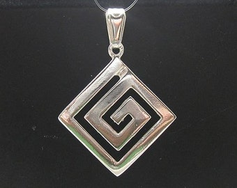 PE000053 Sterling silver pendant Spiral solid 925