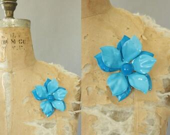Vintage 60s Brooch/ 1960s Enamel Brooch/ Oversized Turquoise Enamel Brooch w/ 3-D Petals