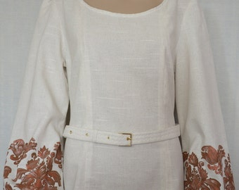 Stylish linen blouse.