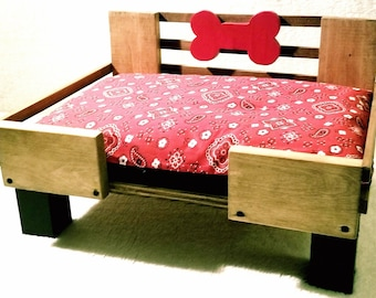 Small Country Chic Dog Bed