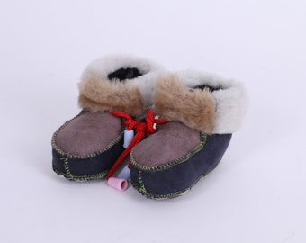 Leather Baby Shoes, Gray Soft Leather Sole Booties, Baby Slippers, Toddler custom shoes, Handmade Newborn boots UK 3.5 Sheepskin
