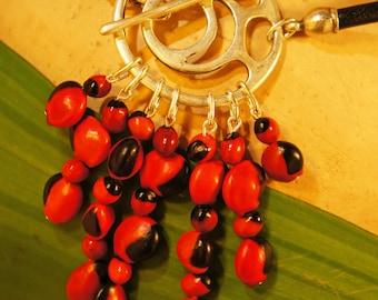 Necklace pendant black leather & clasp