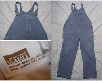 Vintage Retro Men's 70's Montgomery Ward Railroad Overalls Blue White Stripe Jeans Denim Work Wear 42 x 30 XL Made in the USA