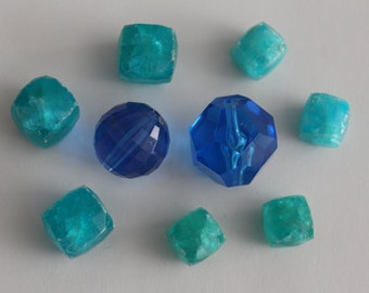 ONLY LOT - Vintage blue aqua turquoise mixed lot beads (9)