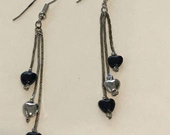 Vintage Black and Silver Dangle Heart Earrings, Vintage Earrings, Silver Earrings, Heart Earrings