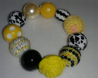 Spring/Easter yellow and black chunky beaded bracelet