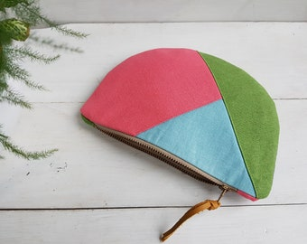 Colour block zipped curved purse.  Handmade purse.  Geometric zipped pouch.