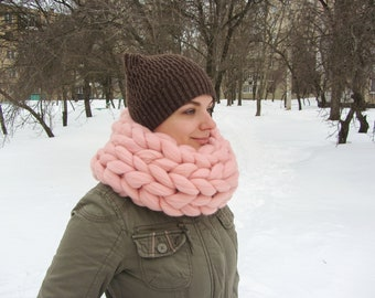 Bulky scarf. Cowl scarf. Merino wool scarf. Handmade scarf. Knitted scarf. Super chunky scarf. Giant scarf. Jumbo wool. Gift idea