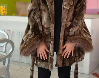 NEW!!!Natural,Real,ONE SIZE-Hooded Noutria Fur Cape