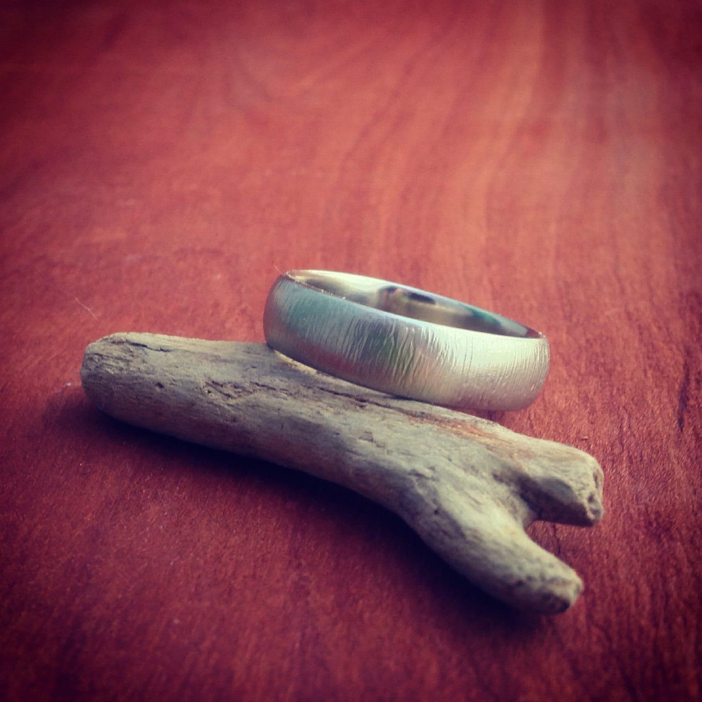 weathered woodgrain white gold wedding band