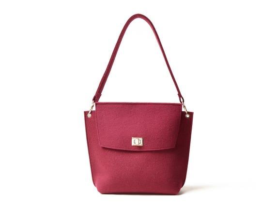 Wool Felt FLAP BAG / burgundy tote bag / burgundy bag / womens bag / felt shoulder bag / elegant bag / made in Italy