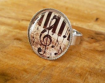 Music themed adjustable cabochon ring