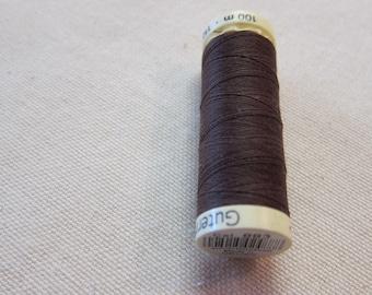 Sewing thread Brown n 883 Gütermann 100% polyester