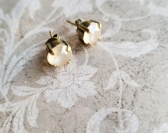 cream stud earrings bridal wedding earrings crystal bridal bridesmaids jewelry mothers day gifts brass earrings gifts for her swarovski