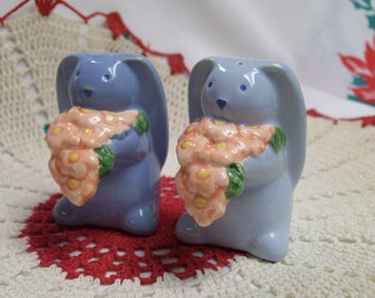 Bunny Salt Pepper Shakers Vintage Blue Bunnies Rabbits Ceramic Bunny Bunny Rabbit Salt and Pepper Shakers Great for Collections