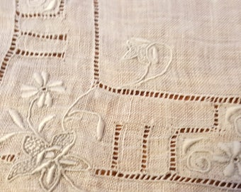 Vintage Hanky White Embroidery Drawnwork Handkerchief Free US Shipping 042