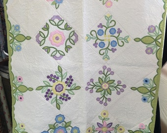 Rose of Sharon Quilt in a Hoop