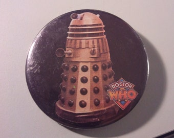 Dr Who Dalek button badge pin 70s vintage 1970s Doctor Who anniversary