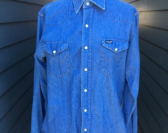 Vintage Wrangler Denim Shirt // Denim shirt // Vintage Wranglers