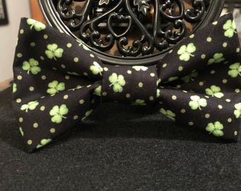 Lucky shamrock (dog) bow tie