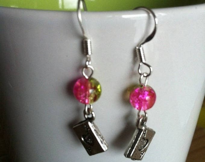 POKER earrings green and pink beads