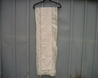 Awesome Edwardian, Victorian, Downton Abbey does 70s Extra LONG Vintage LACEY Clothe  RUNNER ,Creamy Color