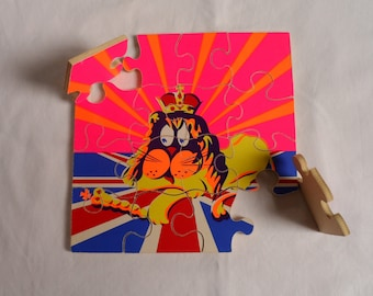 Wooden jigsaw puzzle. Lion jigsaw puzzle. Union Jack puzzle. Colourful wooden jigsaw puzzle. 1970's? Sixteen pieces. Child's toy?