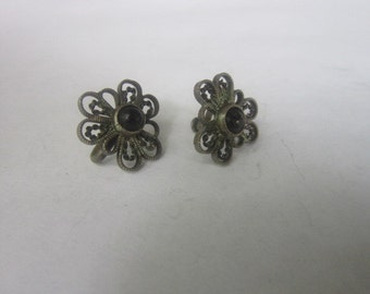 Antique Sterling Silver Filigree with Onyx Stone Screw Back Earrings