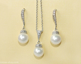 Bridal jewelry set pearl, wedding jewelry pearl. CZ bridal set earrings and necklace, silver bridal jewelry classic elegant white pearl