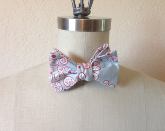 Self-Tie Adjustable Blue, Red and White Print Bow Tie Men/Women