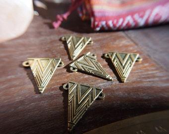 Ethnic triangular pendant