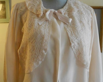 """1950's, 36"""" bust, pale pink rayon bed jacket"""