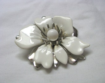New Summer Magic white enamel flower pin brooch by Sarah Coventry