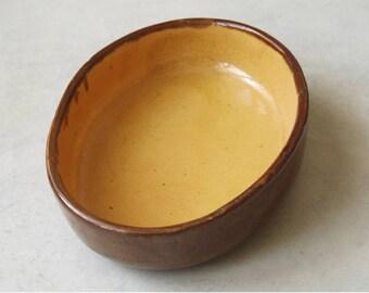 French Gratin Pie Dish.  Big Oval oven dish. Honey color Casserole Dish.  French rustic kitchenware. kitchenalia. Photo Prop.