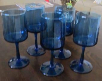 50 % off Blue stemware (5)