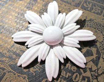 Enamel Flower Pin VINTAGE Large White Enamel Pin Brooch FLOWER White Enamel Flower Pin Brooch Ready to Wear Vintage Jewelry Wedding (L208)