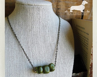 Three Leaf Clover. Necklace -- (Green, Glass Beads, Simple, Vintage-Style, Emerald Green, Simple, Irish, Minimal, Bridesmaid Gift Under 10)