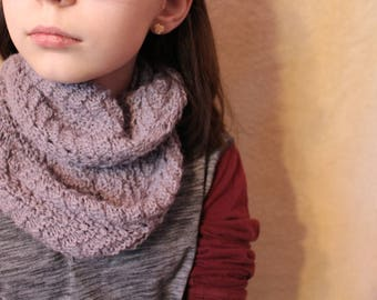 Hand-Knit Lace Cowl