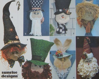 Holiday Door Decoration Sewing Pattern/ Simplicity Crafts 8935/Easter, Christmas, St Patrick, Halloween, 4th July fall winter spring/UNCUT