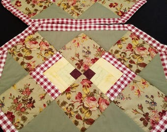Set of 4 Quilted Flower Placemats