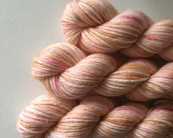 "Deluxe sock yarn 1 x 10 g mini skein ""Rhubarb float"""