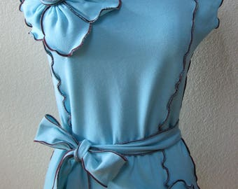 Aqua color sleeveless top with  2 roses decoration and a belt for optional plus made in USA(vn20)