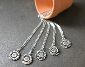 Sunflower Necklace, Bridesmaids Necklace, Sunflower Jewelry, Sunflower Gift, Sunflower lover Gift, Summer Wedding, Botanical Blooms