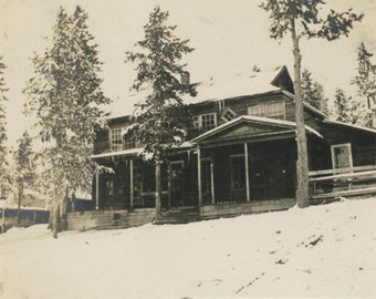 vintage photo 1910 Mountain Lodge in Snow Southern Cross