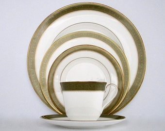 4 Place Setting Royal Doulton England Belvedere Bone China Dinnerware Set Discontinued China & Vintage China Cunningham and Picket Dinnerware Set