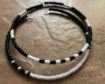 Black & White Beaded Layering Minimalist Bracelets; Set of 2 Bracelets; Minimalist Jewelry